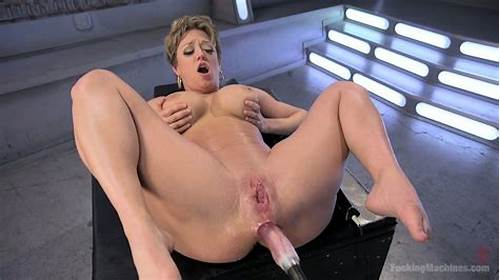 Curvy Gf Shows Off Her Passionate Round Cunt And Fucking #Fucking #Machine #Makes #Busty #Mom #Darling #Squirt #Hard