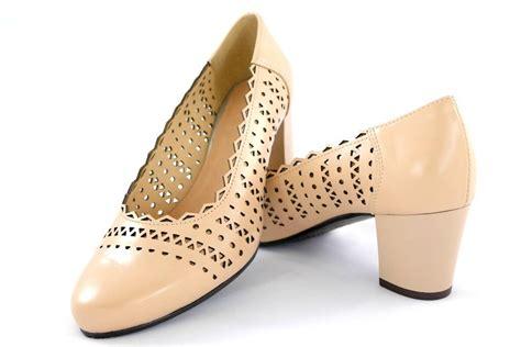 Grodecki ādas apavi, sieviešu bēšas krāsas augstpapēžu ...