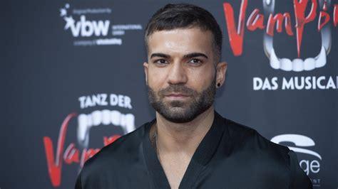 Aug 06, 2021 · allerdings bekam rafi rachek für sein outing nicht von allen seiten applaus: Rafi Rachek: Prügel-Attacke auf Bachelor in Paradise-Star ...