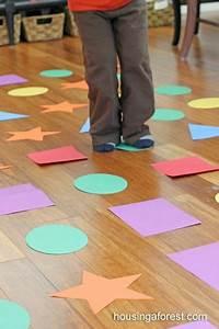 Indoor Aktivitäten Kinder : indoor shape hopscotch gross motor game aktivit ten kindergarten formen vorschule und ~ Eleganceandgraceweddings.com Haus und Dekorationen