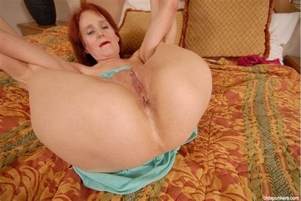 #Redhead #Mature #Debra #Is #Showing #Off #Her #Stunning #Ass #In
