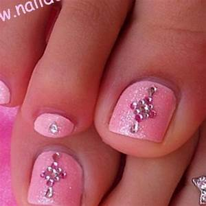 Toe Nail Designs Lines & 35 Great Ideas In Pictures ...