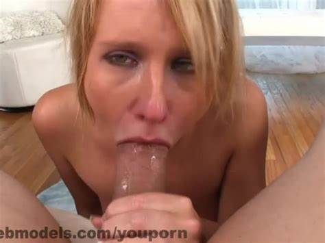Soapy Cougar Deepthroats In One Showing Porn Images For Slutty Cougar Tongue