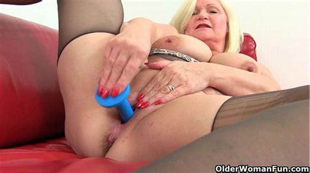 #English #Milfs #Aunty #Trisha #And #Lacey #Starr #Dildoing #Pussy