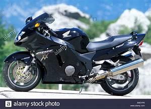 Honda Cbr 1100 Xx : honda cbr 1100 xx super blackbird stock photos honda cbr 1100 xx super blackbird stock images ~ Medecine-chirurgie-esthetiques.com Avis de Voitures
