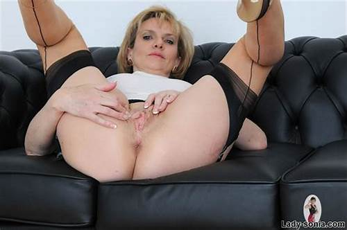 Cunt Porn Lover Lesbians #British #Mature #Lady #Sonias #Cunt #Opened #Up #Wide