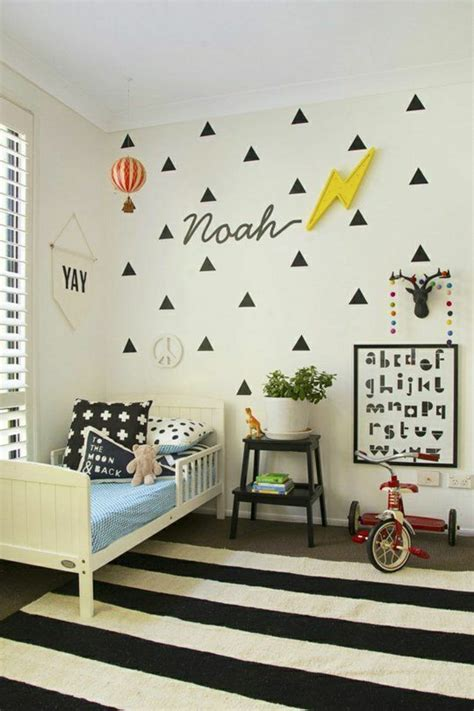 lesbienne dans la chambre décorer un pan de mur avec nos idées en 42 photos