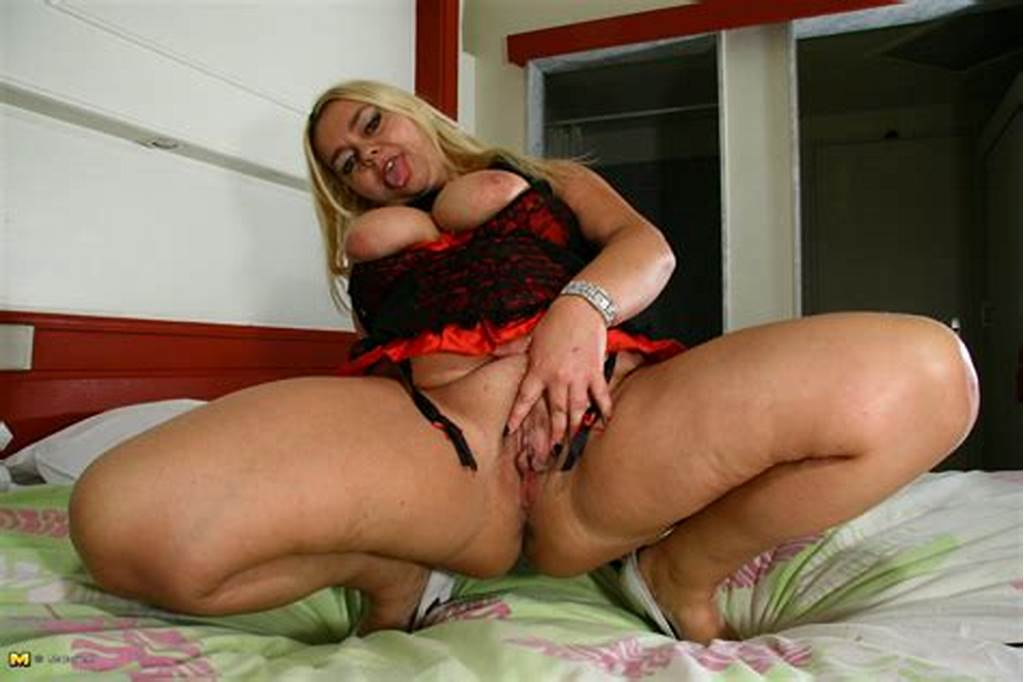 #Big #Mature #Slut #Getting #Ready #For #Filth