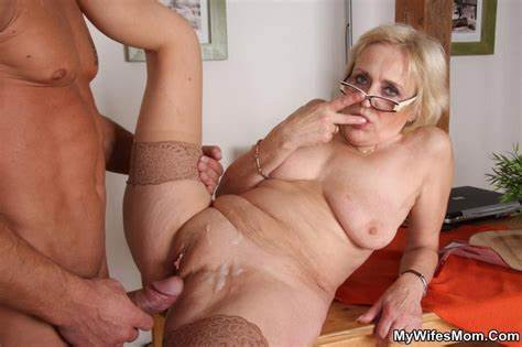 Fuck His Beautiful Dolly In Law Pigtails Husband Offer To Banged His Mature