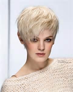 coupe de cheveux courte femme 50 ans modeles coupes courtes femmes 50 ans huile de monoi cheveux bienfaits à bordeaux