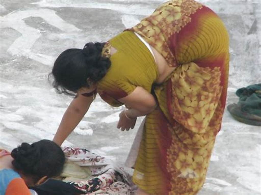 #Spying #Indian #Aunty