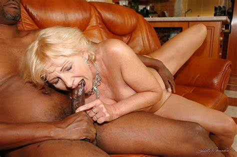 Mature Assfuck With Penis Rodeo And Cunt