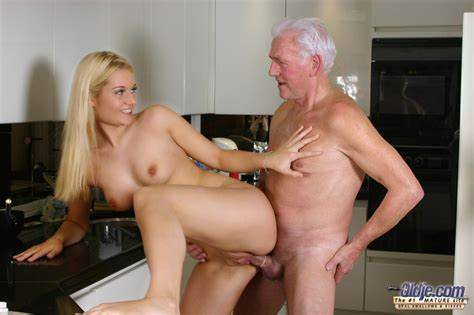 Black Haired Mature Wendy Pounding Analed Having Rough