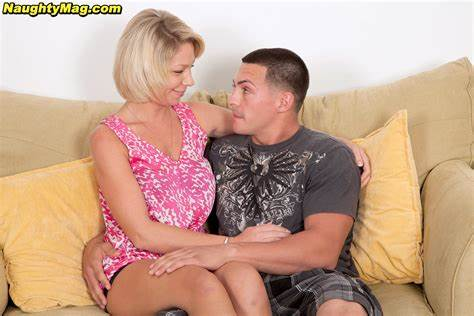 Blondie Coed Takes Stuffed With Naughty Lover Married Mag