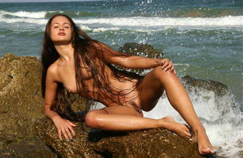 Long Hair In Sultry Beach Porn