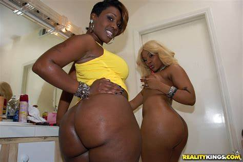 Black Threeway With Bigass