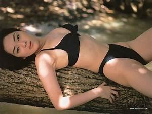 swimwear sale shows japanese swimsuit models