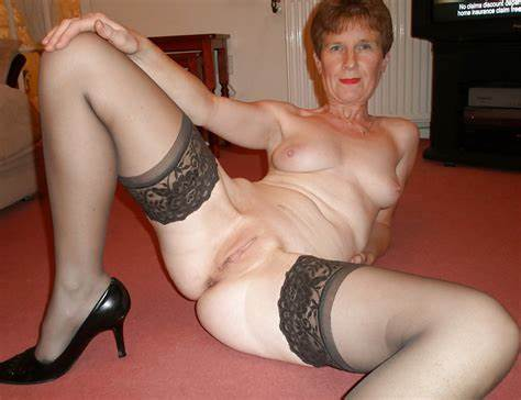 Granny In Girdles Her Beach Beautiful Granny Porn Pictures And Vids
