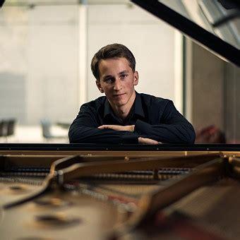 Pasākums / Latvijas Koncerti / Bēthovena klaviersonātes