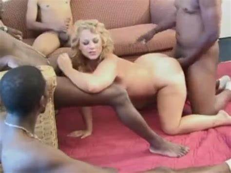 Adorable Redhead Shemale Muffdiving Bbc