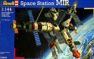 Revell Space Station Mir  Previewed By Richard F