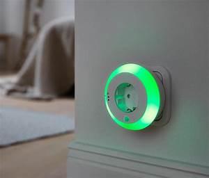 Nachtlicht Mit Steckdose : goobay 96501 a led nachtlicht mit bewegungsmelder ~ Watch28wear.com Haus und Dekorationen
