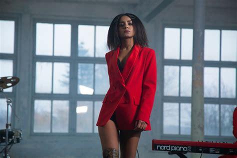 Aminata laiž klajā jaunu singlu