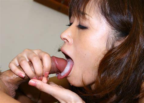 <a href='http://tokyopoony.com/2010/09/05/japanese-slurp/'' target='_blank'> Japanese Slurp</a>