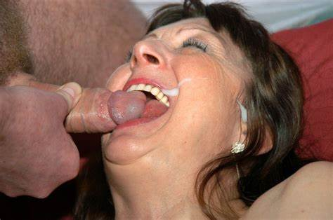 Mature Morgan Lee Facial By Fat Penis