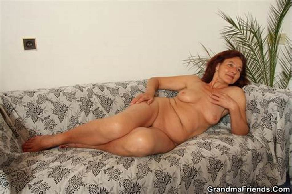 #Mature #Models #Nude #So #They #Can #Paint #Her #Body #And #They #End