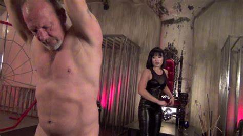 Stunning Dominatrix Grips A Guys Ball Japan Smothering Whipping
