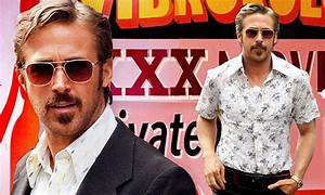 Sex Shop Nice : ryan gosling leaves sex shop as he films the nice guys in atlanta daily mail online ~ Medecine-chirurgie-esthetiques.com Avis de Voitures
