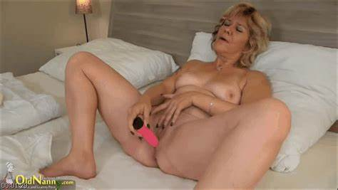 Pink Peach Mature Dildofucking Her Cameltoe eroticity