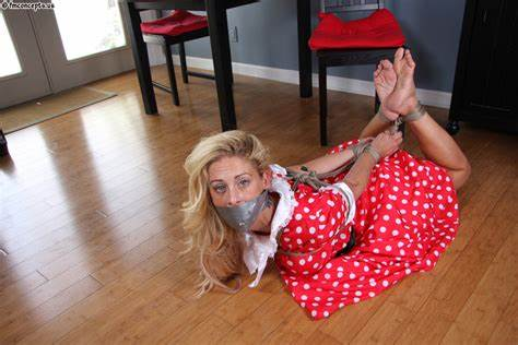 Housewife Cherie Deville Dicked Roughly