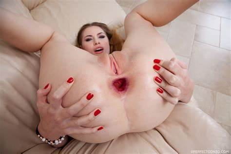 Elegant Babes Gapes Spread Vagina And Fucking Defl