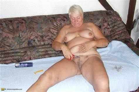 Shaved Granny In Nude Drill