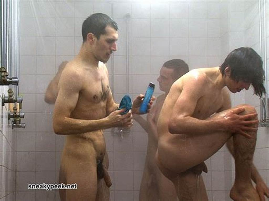 #Spy #Cam #Dude #Footballers #Team #In #Gang #Showers!
