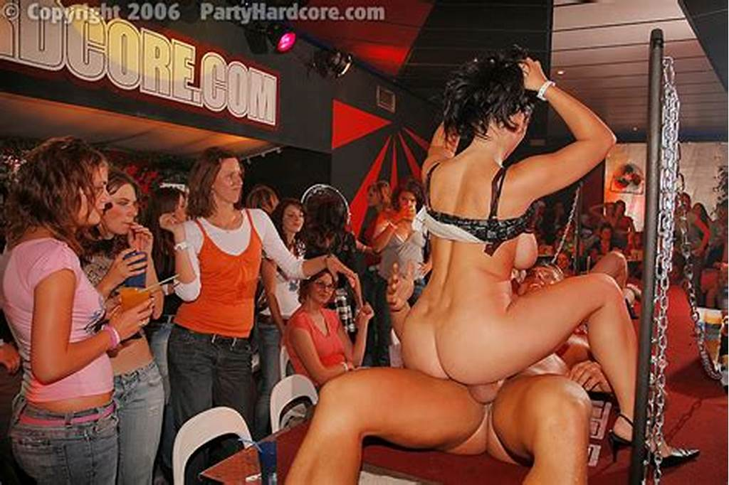 #Party #Hardcore #: #Naughty #Amateur #Girls #In #Hot #Gangbang