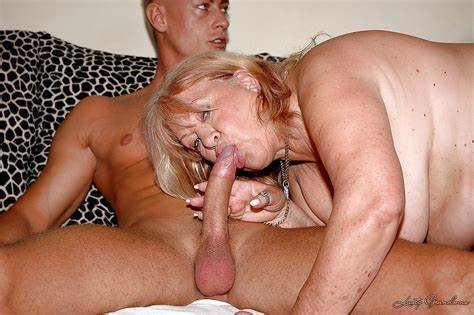Dick Throating Granny Banged