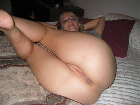 Super Aunty Smoking Up Her Perfect Holes