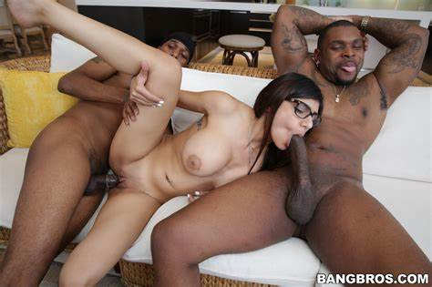 Interracial Kittchen Pussy Bbc Threesome