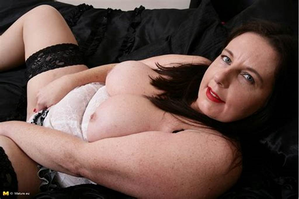 #Curvy #British #Housewife #Playing #With #Herself