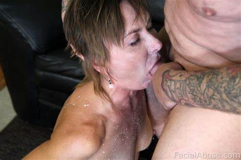 Young Ginger Banged Car And Jizzed On Her Face
