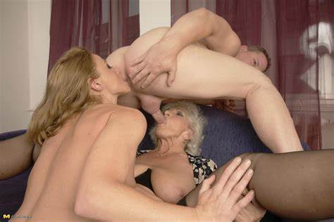 Blond Homemade Shemale Rimmed By Female