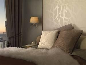 Tapeten Modern Schlafzimmer : fliesen mit tapetenlook und textiloptik ~ Markanthonyermac.com Haus und Dekorationen