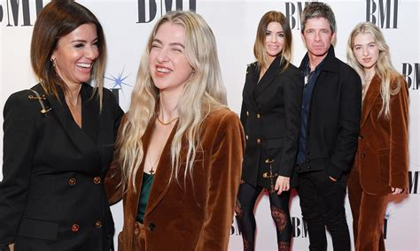 Noel's daughter anais, is 19. Noel gallagher and sara macdonald. Noel Gallagher wiki ...