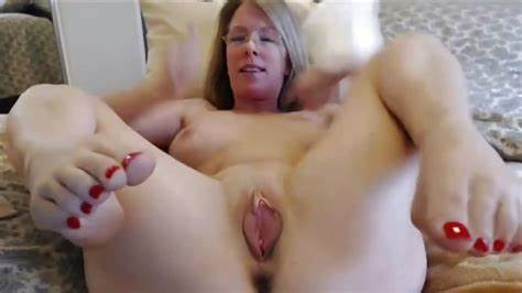 Beautiful Mature Trap With A Dildo