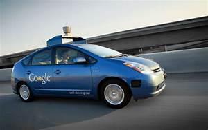 谷歌无人驾驶汽车获重大突破:已能自动处理街区路况  谷歌 自驾驶汽车_凤凰科技
