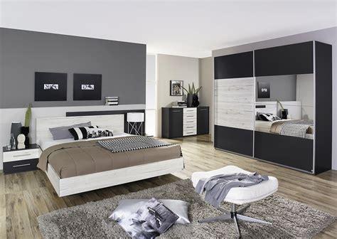 photo de chambre adulte chambre d adulte moderne meuble oreiller matelas