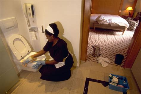 femmes de chambre une charte pour améliorer les conditions de travail des
